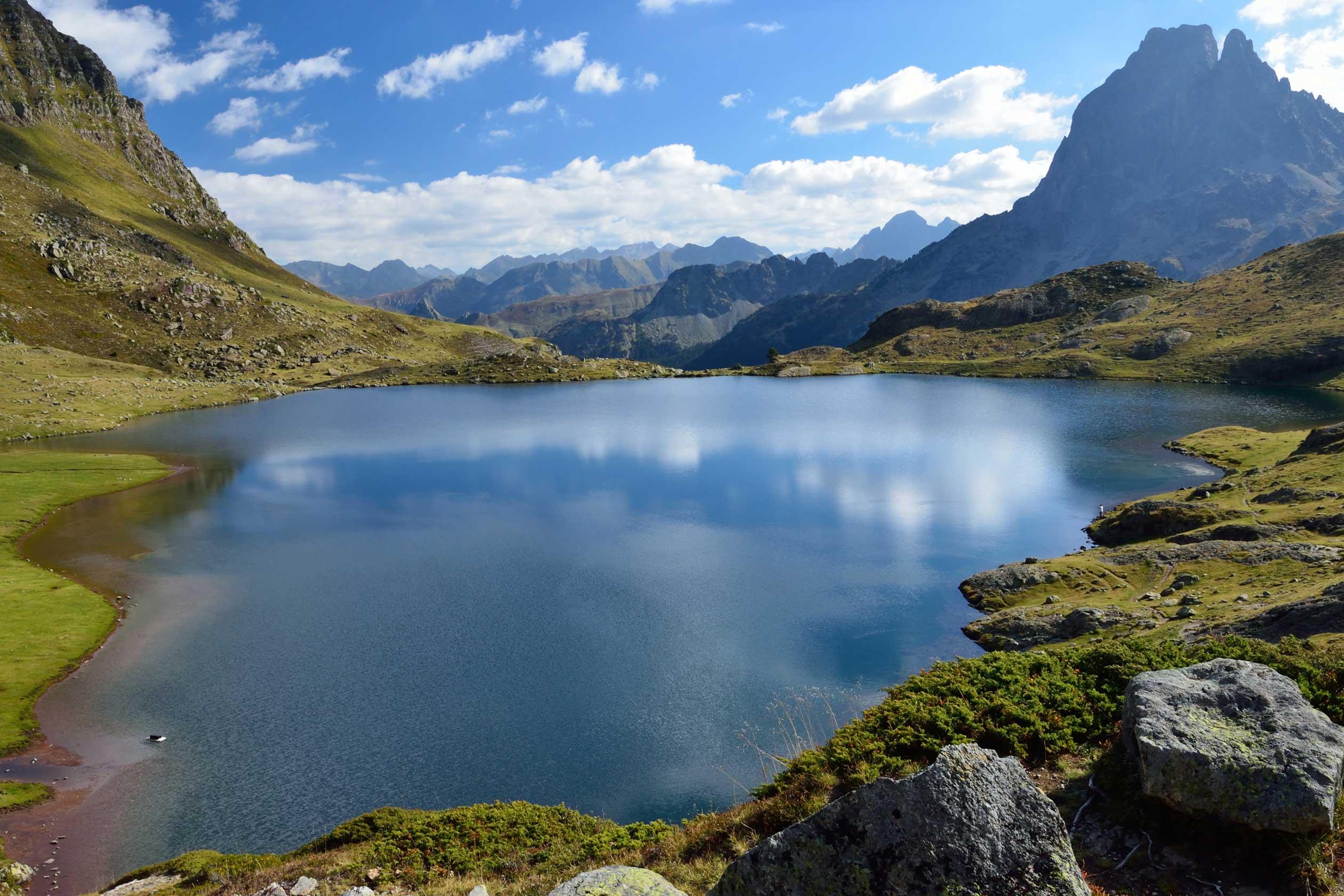 lac de montagne pyrénées