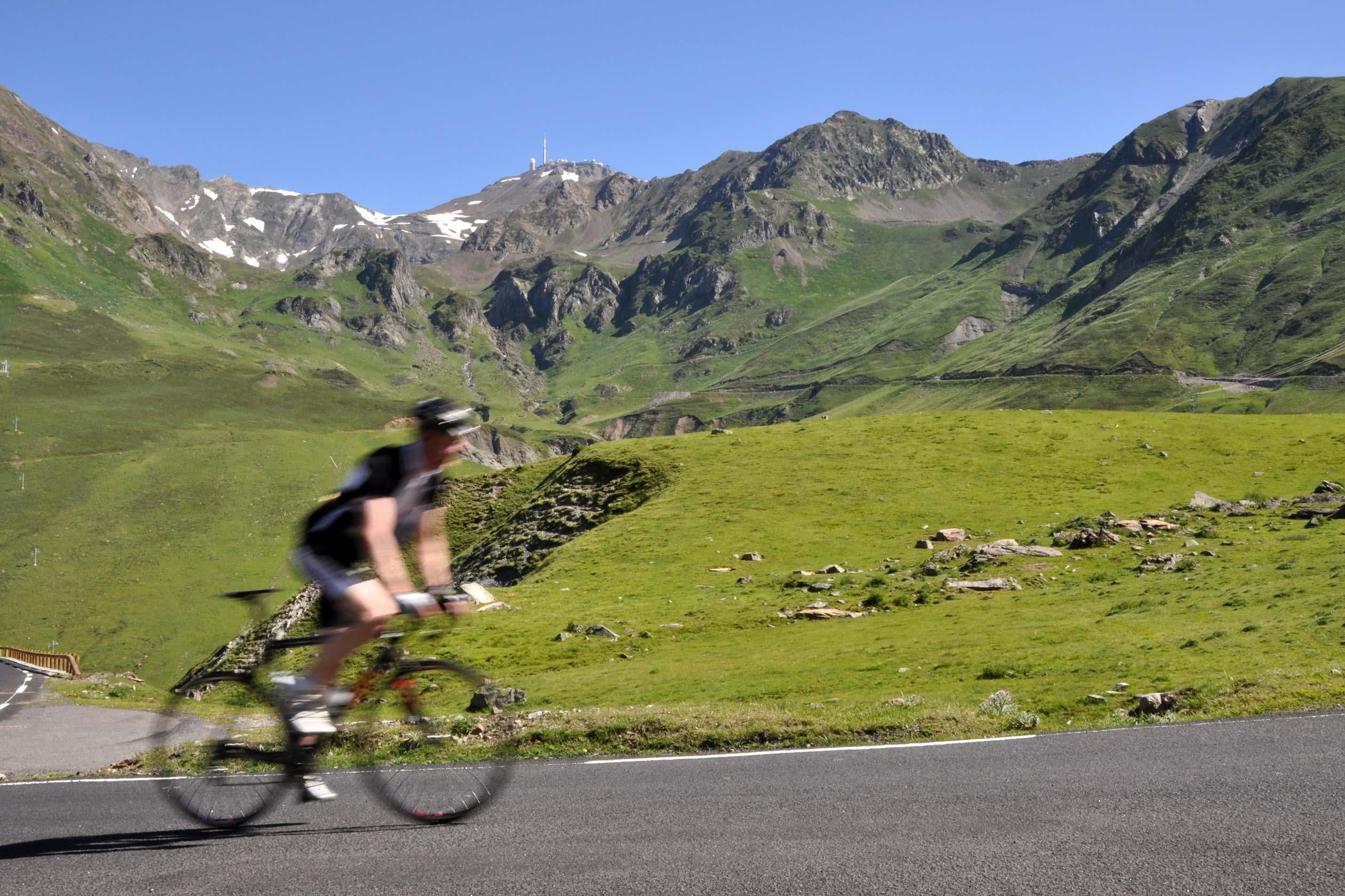 vélo dans les pyrénées, gite à lourdes, location de vacances