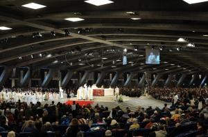 Basilique Saint Pie X lourdes gitelourdes.fr